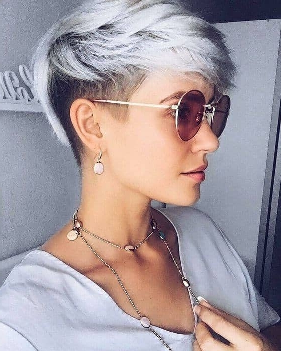 50 Pixie Haircuts You'll See Trending In 2018 In Newest Two Tone Pixie Hairstyles (View 15 of 25)