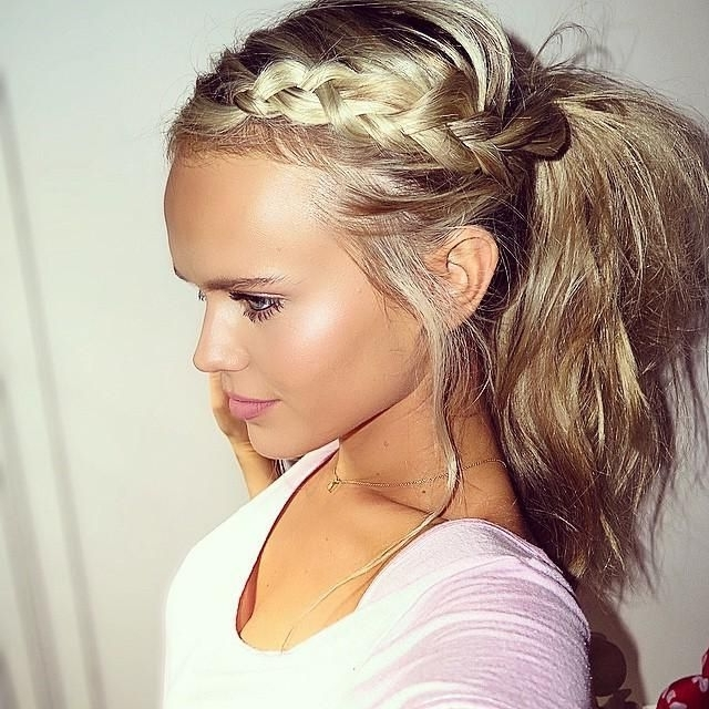 50 Pretty Easy Messy Ponytail Hairstyles You Can Try – Hairstyles Weekly For High Messy Pony Hairstyles With Long Bangs (View 19 of 25)