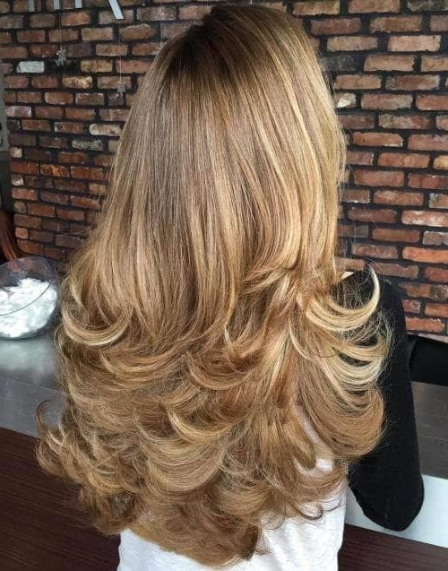 50 Timeless Ways To Wear Layered Hair And Beat Hair Boredom Throughout Brown Blonde Layers Hairstyles (View 20 of 25)