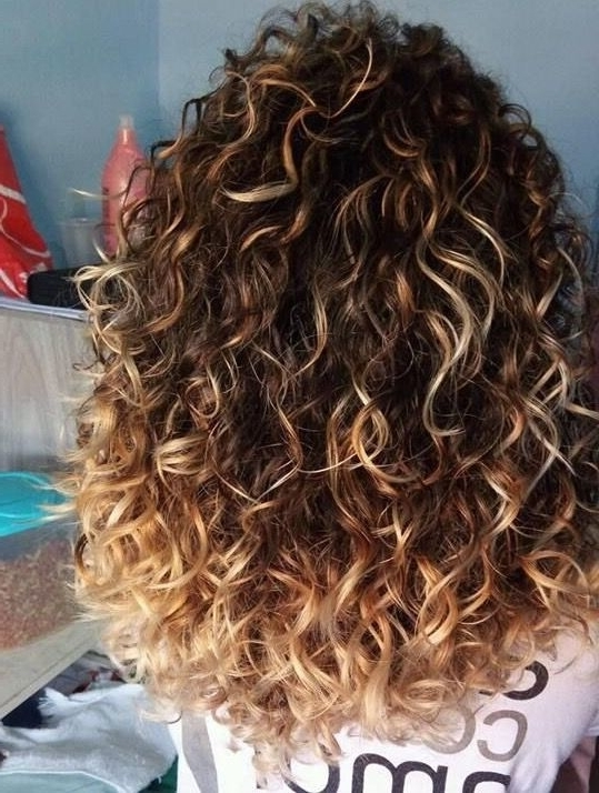 54 Nice Cute Curly Hairstyles For Medium Hair 2017 | Short Within Brown To Blonde Ombre Curls Hairstyles (View 8 of 25)