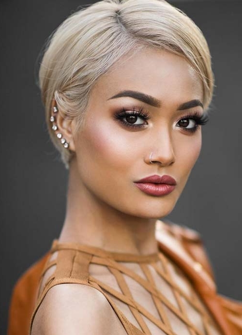 55 Short Hairstyles For Women With Thin Hair | Fashionisers For Newest Long Honey Blonde And Black Pixie Hairstyles (View 16 of 25)