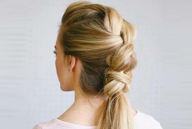 6 Hairstyles With Knotted Ponytails | Style Presso Throughout Knotted Ponytail Hairstyles (View 8 of 25)