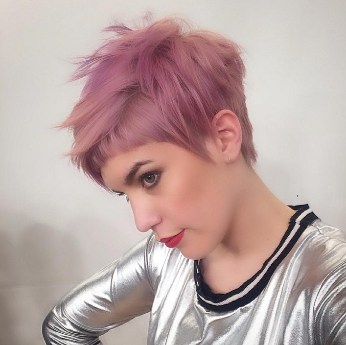 60 Cool Short Hairstyles & New Short Hair Trends! Women Haircuts 2017 Intended For 2018 Pixie Bob Hairstyles With Temple Undercut (View 16 of 25)