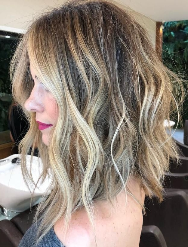 60 Fun And Flattering Medium Hairstyles For Women | Cute Hair Intended For Tousled Beach Babe Lob Blonde Hairstyles (View 6 of 25)