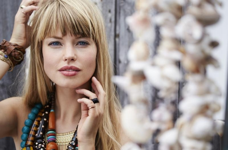 60 Hottest Blonde Hair Colors For 2018 – Try These Trends For Bi Color Blonde With Bangs (View 13 of 25)