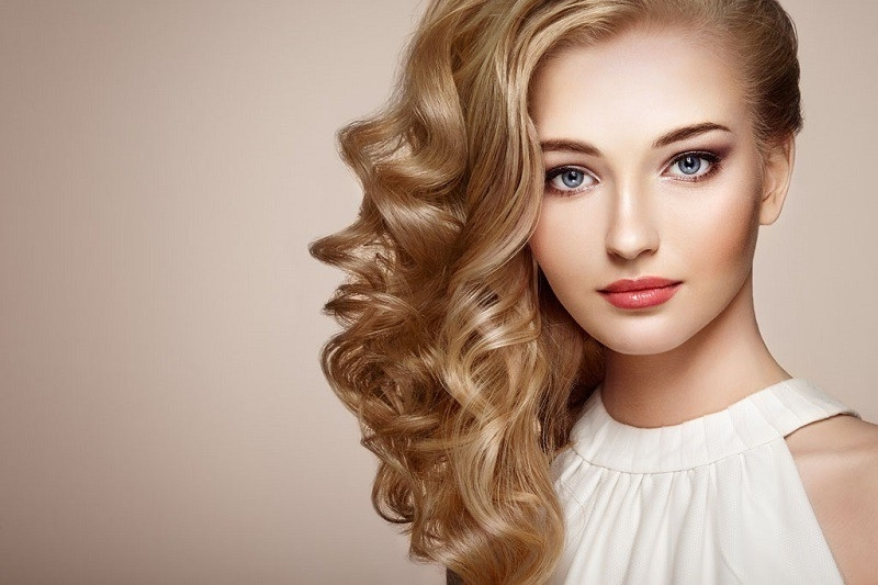 60 Hottest Blonde Hair Colors For 2018 – Try These Trends Within Butterscotch Blonde Hairstyles (View 10 of 25)