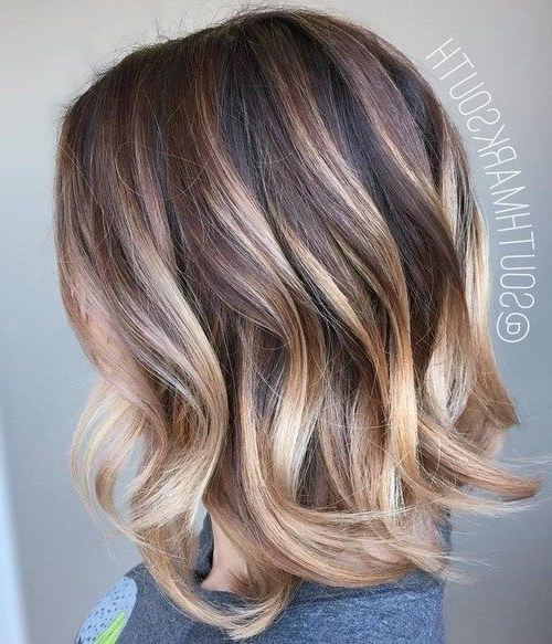 60 Hottest Bob Hairstyles For Everyone! (Short Bobs, Mobs, Lobs For Bouncy Caramel Blonde Bob Hairstyles (View 17 of 25)