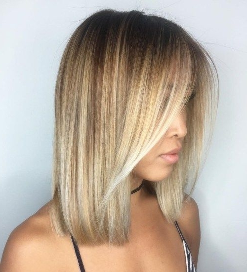 Featured Photo of Caramel Blonde Lob With Bangs