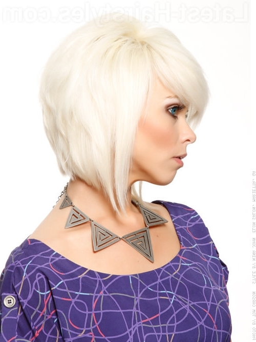 61 Chic Medium Shag Haircuts For 2018 In Platinum Tresses Blonde Hairstyles With Shaggy Cut (View 24 of 25)