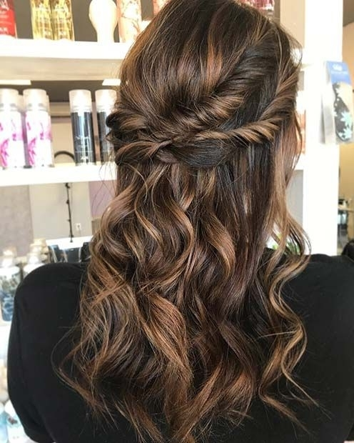 62 Cute Holiday Hairstyles Perfect For New Years Party 2017 2018 With Loosely Coiled Tortoiseshell Blonde Hairstyles (View 22 of 25)