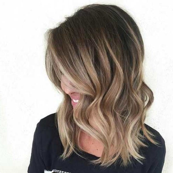 68 Incredible Caramel Highlights Trend That You Should Try Once Regarding Brown And Dark Blonde Layers Hairstyles (View 17 of 25)