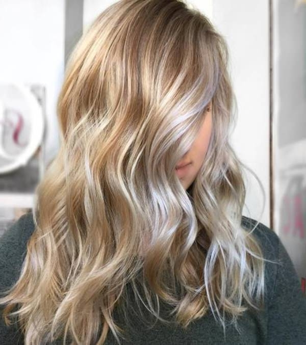 69 Of The Best Blonde Balayage Hair Ideas For You – Style Easily Regarding Honey Hued Beach Waves Blonde Hairstyles (View 20 of 25)