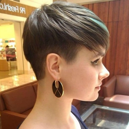 7 Easy Steps To Growing Out An Undercut | Finder Throughout Latest Uneven Undercut Pixie Hairstyles (Gallery 5 of 25)