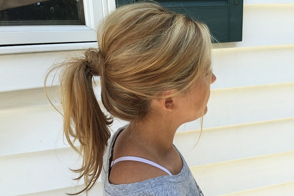 7 Tips On How To Do The Perfect Messy Ponytail – Gurl | Gurl Pertaining To Textured Ponytail Hairstyles (View 9 of 25)