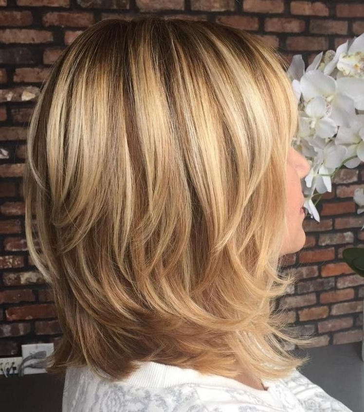 70 Brightest Medium Layered Haircuts To Light You Up | Hair Cuts Throughout Shoulder Grazing Strawberry Shag Blonde Hairstyles (Gallery 8 of 25)
