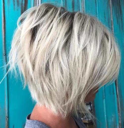 70 Cute And Easy Short Layered Hairstyles   Page 27 Regarding Platinum Blonde Bob Hairstyles With Exposed Roots (View 10 of 25)