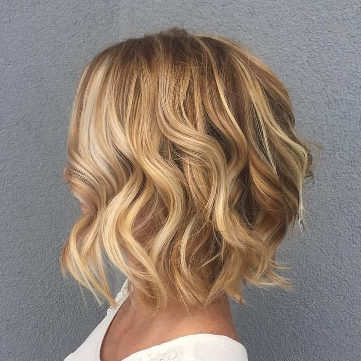Featured Photo of Curly Highlighted Blonde Bob Hairstyles