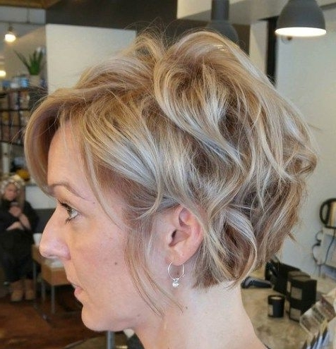 70 Short Shaggy, Spiky, Edgy Pixie Cuts And Hairstyles | Beauty Fall In Most Current Cropped Tousled Waves And Side Bangs Hairstyles (View 4 of 25)