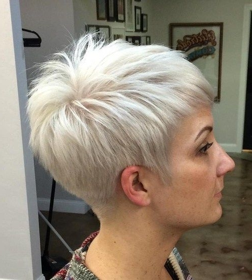 70 Short Shaggy, Spiky, Edgy Pixie Cuts And Hairstyles In 2018 With Short Silver Crop Blonde Hairstyles (View 2 of 25)