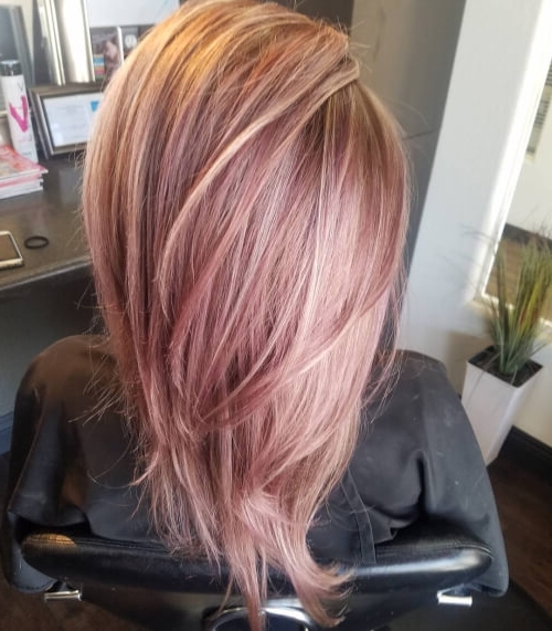 71 Alluring Rose Gold Hair Color Ideas To Try In 2018 Pertaining To Multi Tonal Golden Bob Blonde Hairstyles (Gallery 12 of 25)