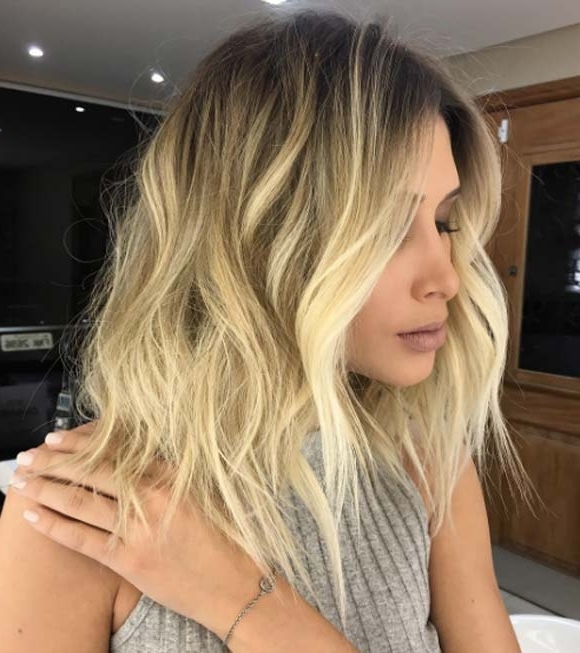 80 Fabulous Wavy Bob Hairstyles – Style Skinner Pertaining To Rooty Long Bob Blonde Hairstyles (Gallery 16 of 25)