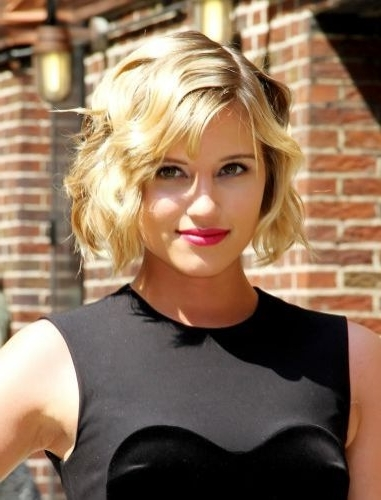9 Top Picks For Short Wavy Bob With Bangs (Haircuts & Hairstyles) Pertaining To Best And Newest Side Parted Blonde Balayage Pixie Hairstyles (View 21 of 25)