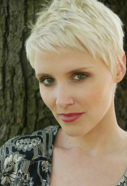 90 Latest Pixie Haircut Ideas 2017 That You Will Love – Gravetics Inside Paper White Pixie Cut Blonde Hairstyles (View 22 of 25)