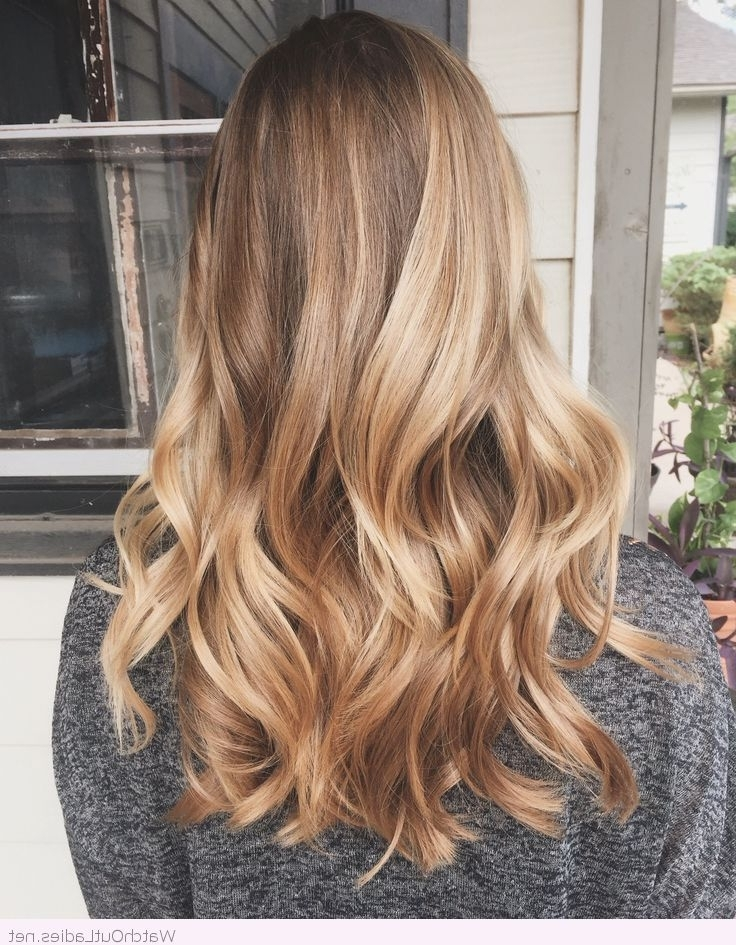 Featured Photo of Golden Blonde Balayage Hairstyles