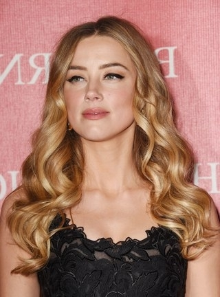 Amber Heard's Ever Changing Hairstyles, From Blonde To Brunette With Regard To Amber And Gold Blonde Hairstyles (View 16 of 25)