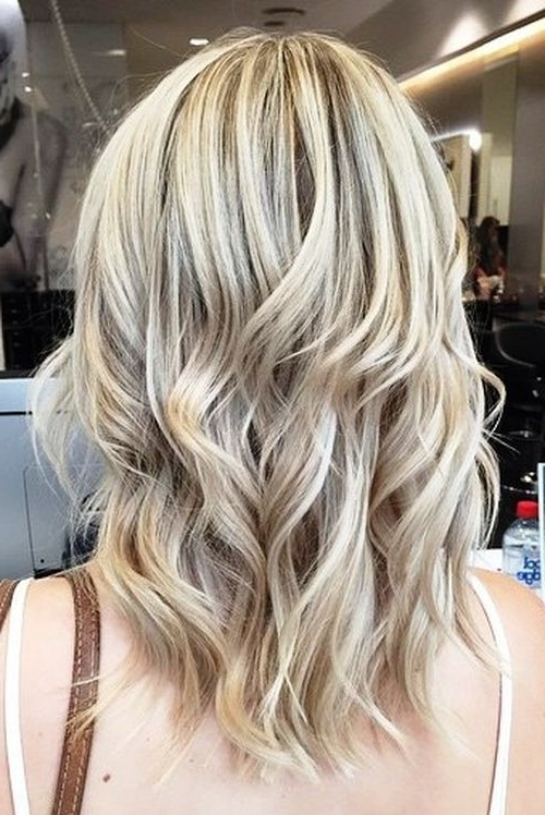 Ash Blonde Hair Looks You'll Swoon Over Throughout Beachy Waves Hairstyles With Blonde Highlights (View 7 of 25)