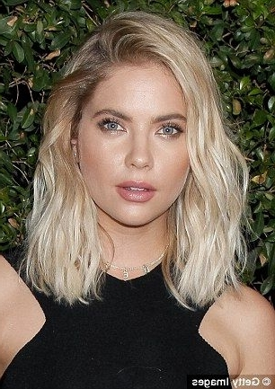 Ashley Benson Debuts Her Newly Dyed Bubblegum Pink Locks | Eyebrows For Tousled Beach Babe Lob Blonde Hairstyles (View 17 of 25)