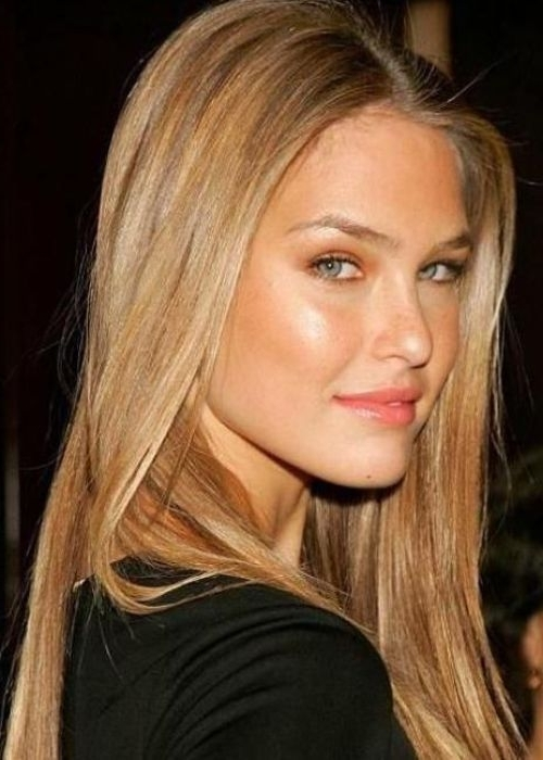 Bar Rafaeli {Blond Hair Color} Israeli Fashion Model Bar Refaeli Inside Poker Straight Cool Blonde Style (View 15 of 25)