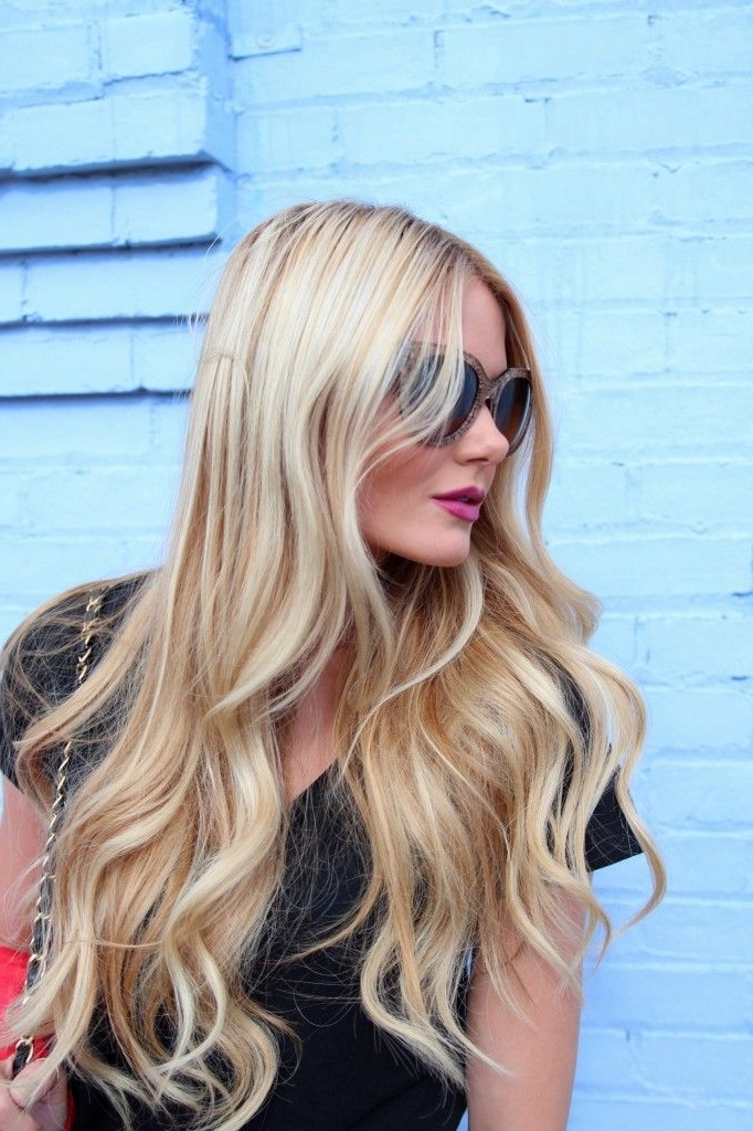 Barefoot Blondeamber Fillerup Clark Page 30 Of 48 | B E A U T Y With Regard To Amber Waves Blonde Hairstyles (View 15 of 25)