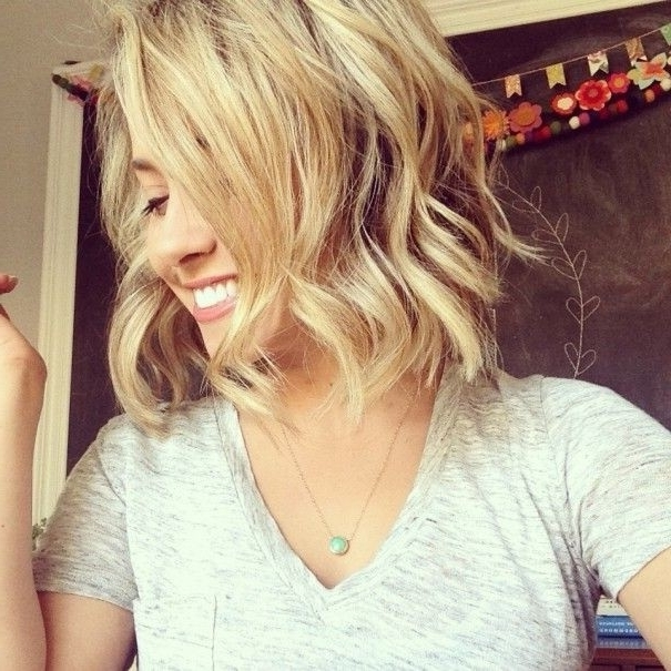 Beach Waves For Short Hair: Cute Haircuts – Popular Haircuts With Blonde Ponytail Hairstyles With Beach Waves (View 15 of 25)