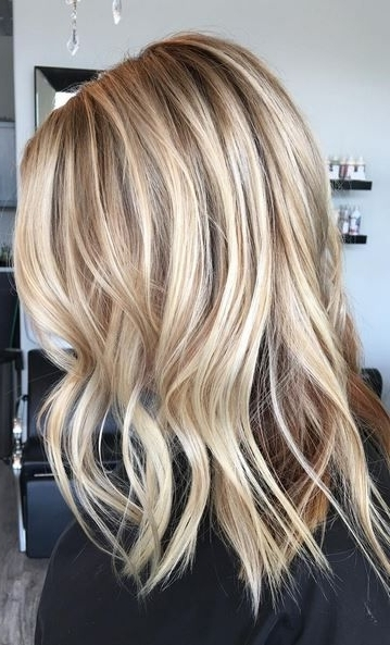Beige And Honey Blonde Highlights | Locks And Locks Of Style For Dark Locks Blonde Hairstyles With Caramel Highlights (View 13 of 25)