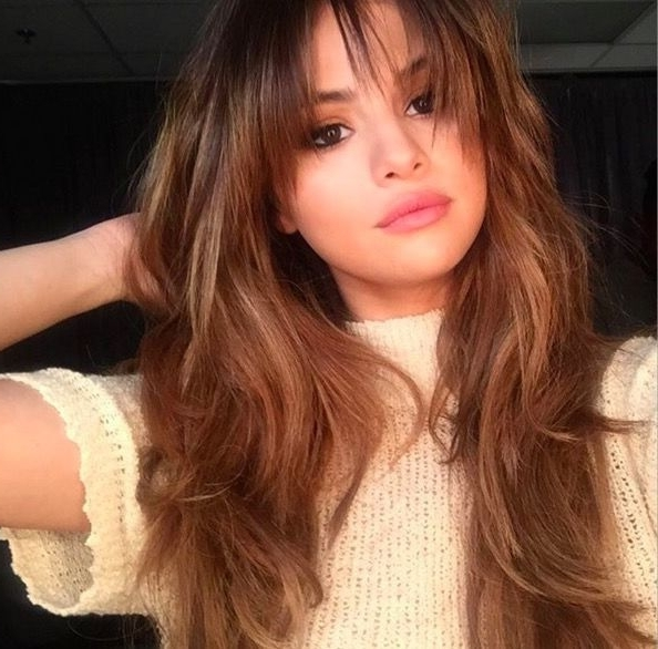 Best Fringe Hairstyles For 2018 – How To Pull Off A Fringe Haircut Intended For Most Recent Cropped Tousled Waves And Side Bangs Hairstyles (View 20 of 25)