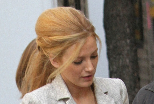 Blake Lively's Big, Messy Bouffant + Ponytail – How To Hairstyles Within Bouffant Ponytail Hairstyles (View 5 of 25)