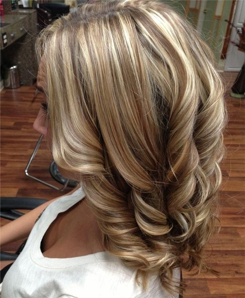 Blonde Brunette Highlight Thick Hairstyles For Women | Full Dose For Blonde And Brunette Hairstyles (View 14 of 25)