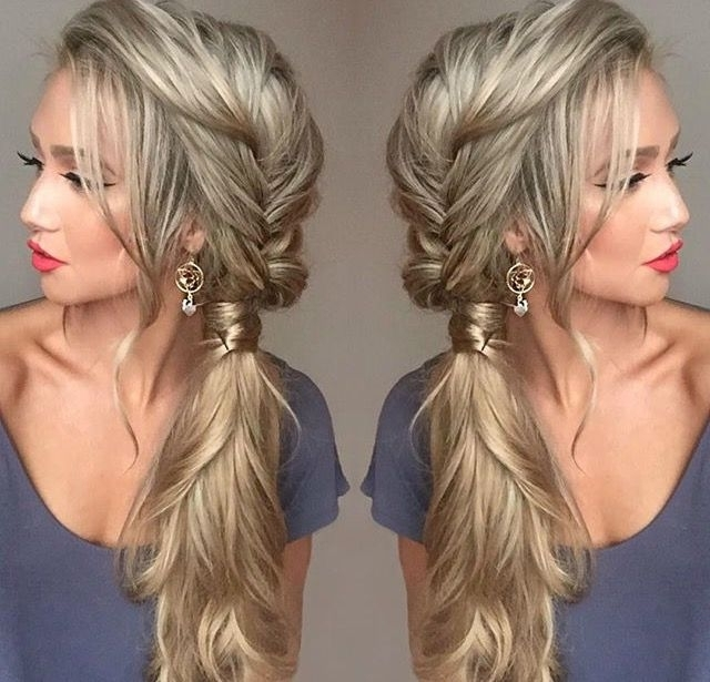 Featured Photo of Messy Side Braided Ponytail Hairstyles