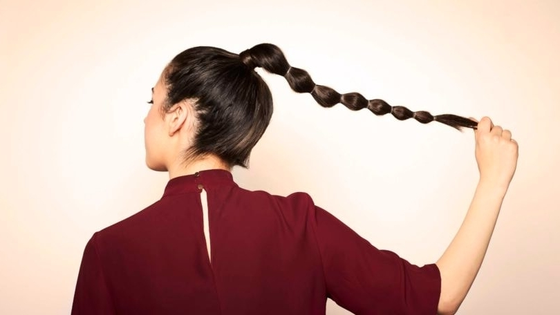 Bubble Pony: How To Create This Trendy Hairstyle In 7 Steps Within Sleek Bubble Ponytail Hairstyles (View 11 of 25)
