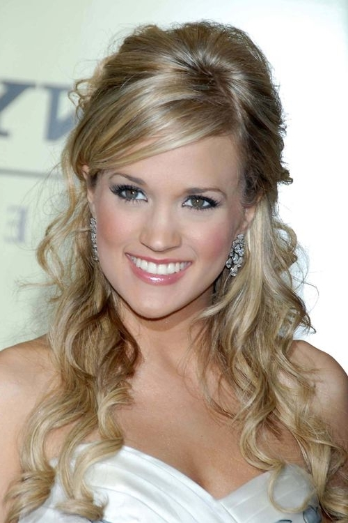Carrie Underwood Wavy Ash Blonde Half Up Half Down, Sideswept Bangs Throughout Ash Blonde Half Up Hairstyles (View 2 of 25)