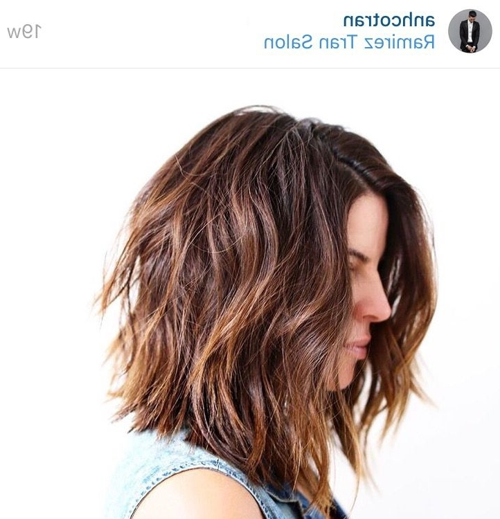 Casual Messy Textured Carefree Versatile Long Bob Lob Mob Cut Pertaining To Voluminous And Carefree Loose Look Blonde Hairstyles (View 9 of 25)