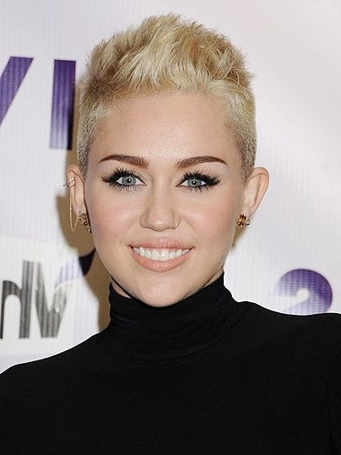 Celebrity Hairstyles :: Miley Cyrus Best Hairstyles Ever Inside Pretty Smooth Criminal Platinum Blonde Hairstyles (View 14 of 25)