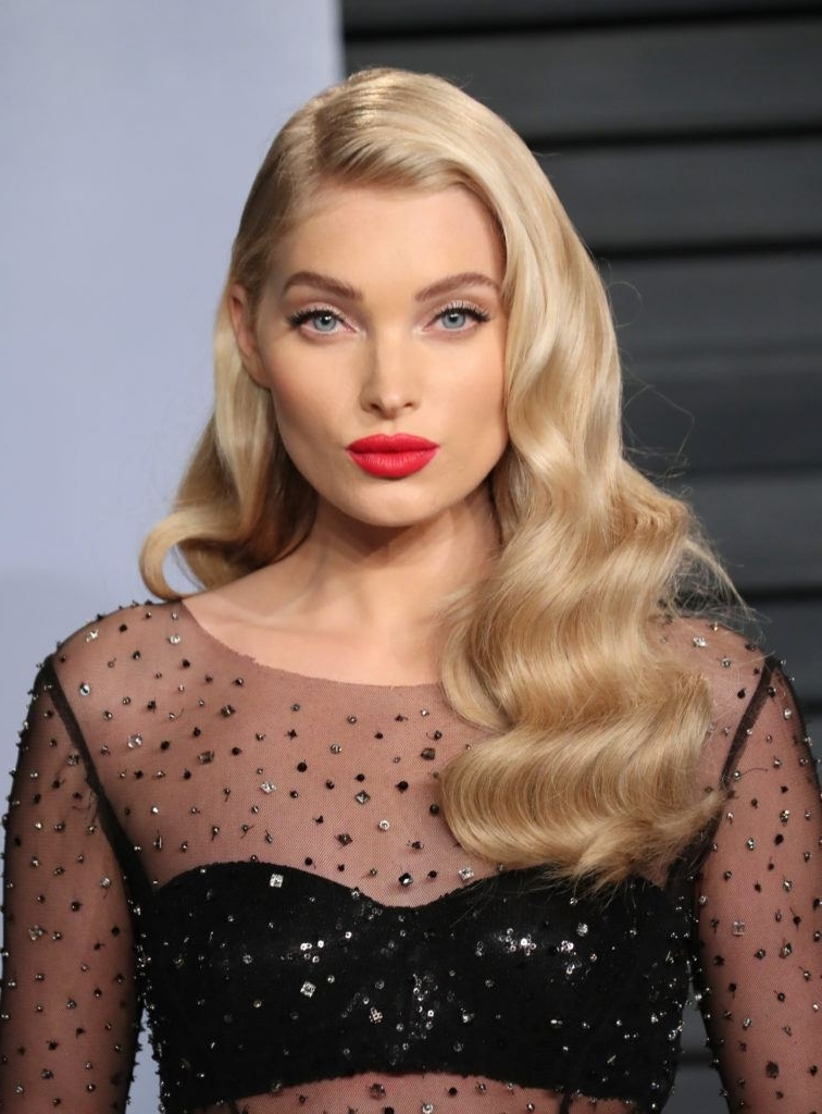 Champagne Blonde: Hair Inspiration Gallery For This Bubbly, New Trend Regarding Bubbly Blonde Pony Hairstyles (View 23 of 25)