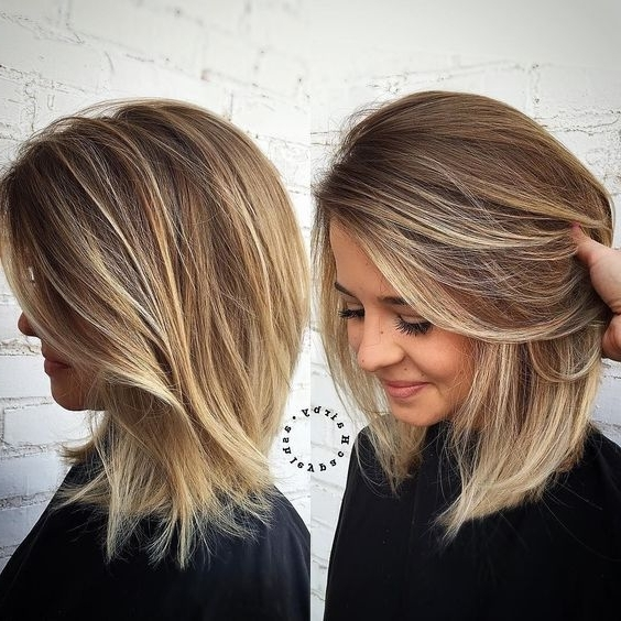Coupes Magnifiques Pour Cheveux Fins | Balayage, Hair Style And Bobs Pertaining To Chamomile Blonde Lob Hairstyles (View 13 of 25)