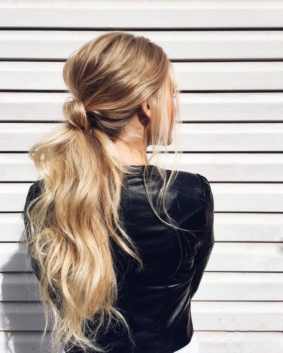 Featured Photo of Bubbly Blonde Pony Hairstyles