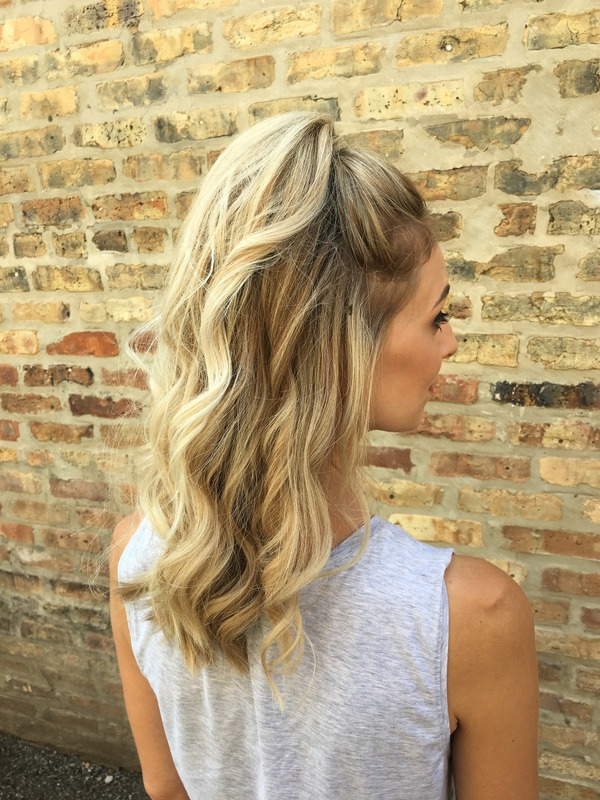 Featured Photo of Casual Bright Waves Blonde Hairstyles With Bangs