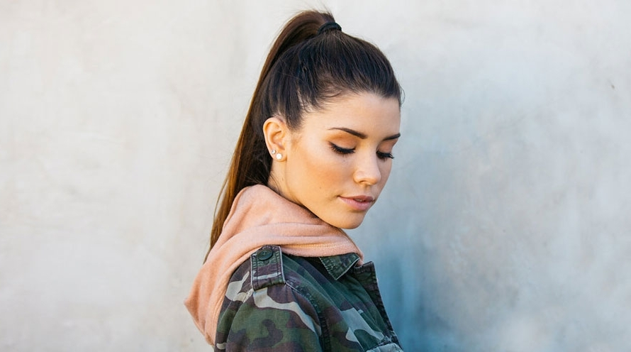 Cute Ponytail Hairstyles – Easy Ponytail Styles – Garnier In Sleek Pony Hairstyles With Thick Side Bangs (View 15 of 25)