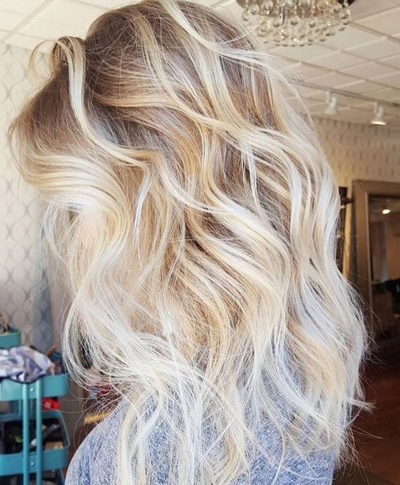 Dark Blonde Roots With Platinum Ends … | Hair | Pinte… Inside Soft Waves Blonde Hairstyles With Platinum Tips (Gallery 8 of 25)