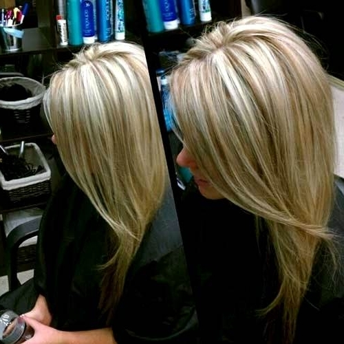 Dark Brown Hair With Thin Platinum Highlights – Coolhairstyles (View 12 of 25)